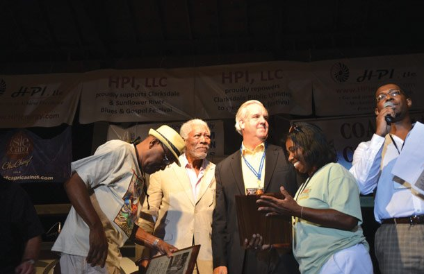 Morgan Freeman & Bill Luckett awarded the Early Wright Award